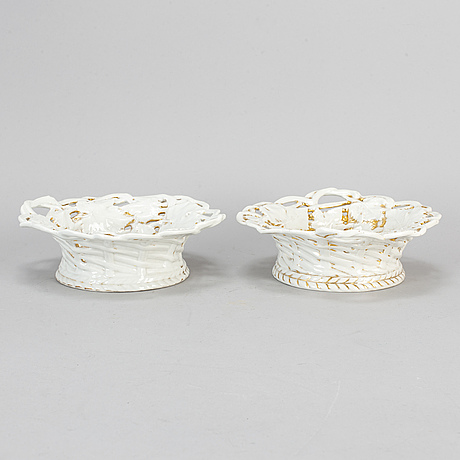 A pair of porcelain bowls, spm (schmeisser porzellan manufaktur), 19th century.