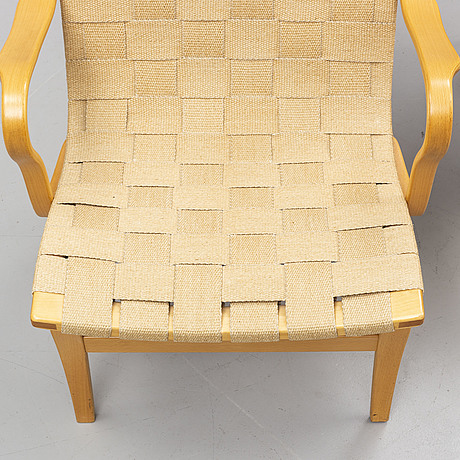 A pair of 'eva' easy chairs by bruno mathsson, firma karl mathsson, värnamo, 1978.