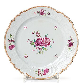 712. A set of 12 (6+6) famille rose dishes, Qing dynasty, Qianlong (1736-95).