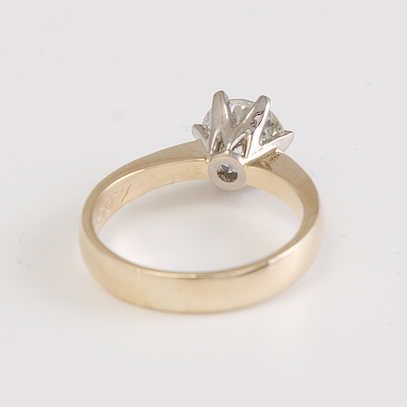 1,38 ct brilliant cut diamond solitaire ring