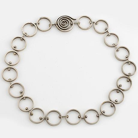 Karl-ingemar johansson, silver necklace.