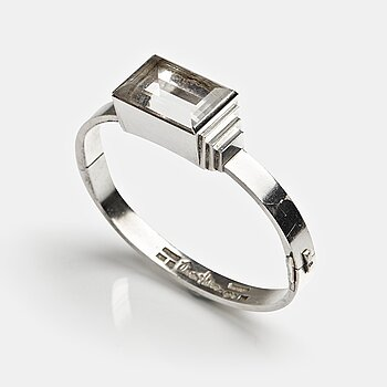 165. Wiwen Nilsson, a sterling bangle with a facet cut rock crystal, Lund, Sweden 1966.