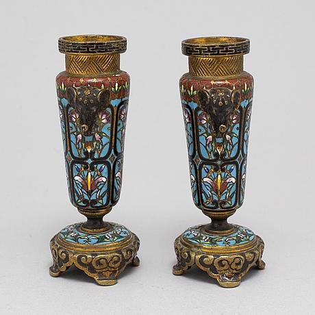 Ljusstakar, ett par, cloissoné, kina, 1900-tal.