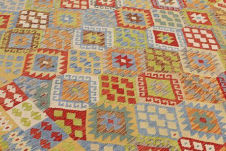 A carpet, kilim, ca 295 x 257 cm.