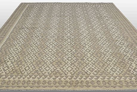 A carpet, kilim, ca 383 x 316