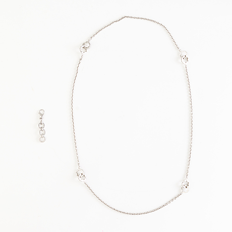 A montblanc silver necklace with extra charm 2017
