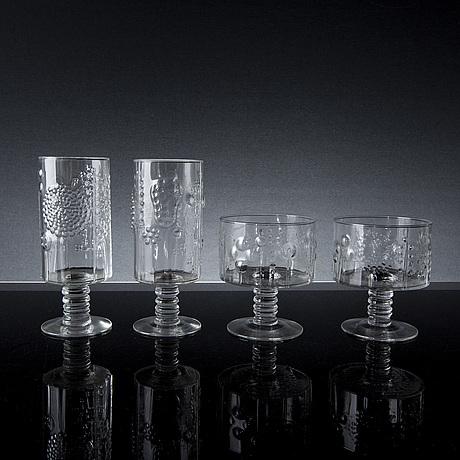 Oiva toikka, a set of 14 flora glasses