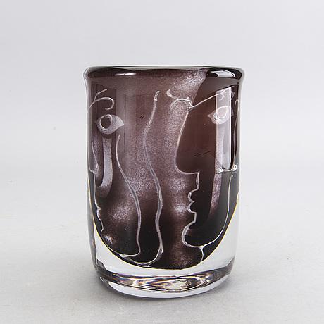 An ariel glass vase by ingeborg lundin, signed no 191.e.6 orrefors