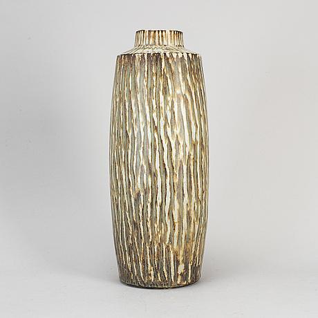 Gunnar nylund, a stoneware 'rubus' vase from rörstrand