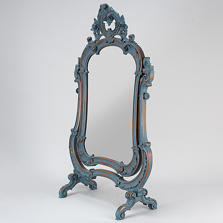 An early 20th century mirror
