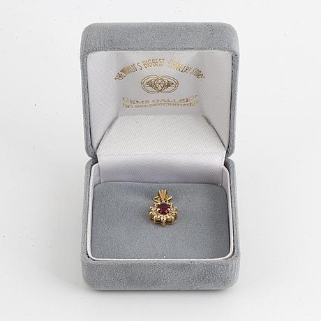 18k gold ruby and brilliant cut diamond pendant