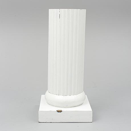 Kolonn, gustaviansk stil, 1900-talets slut.