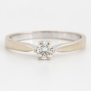 0,35 ct brilliant-cut diamond ring.
