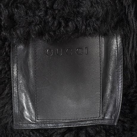 Gucci, fur.