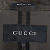 Gucci, trenchcoat.