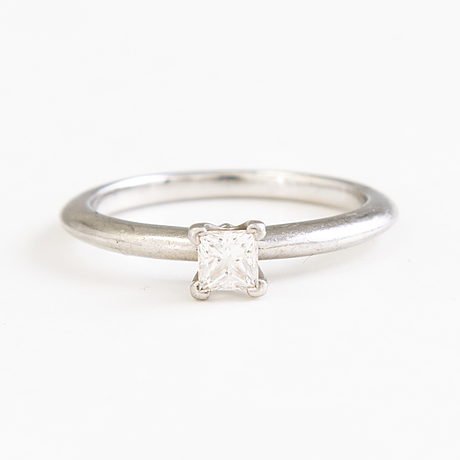 Tiffany & co. enstensring, platinum med 1 prinsess slipad diamant, 0.23 ct.