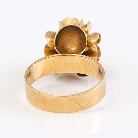 """Liisa vitali, """"kevät"""" sormus ja korvakorut, 14k kultaa, n. westerback, helsinki 1970-luku."""