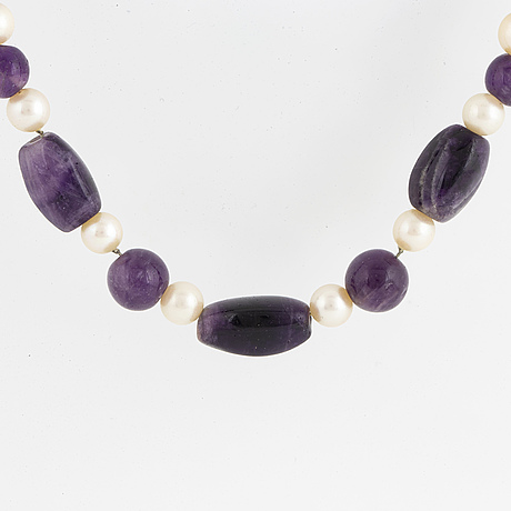 Cultured pearl and amethyst necklace