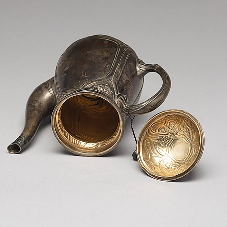 A russian early 20th century parcel-gilt silver coffee-set, mark of ovchinnikov, moscow 1899-1908.