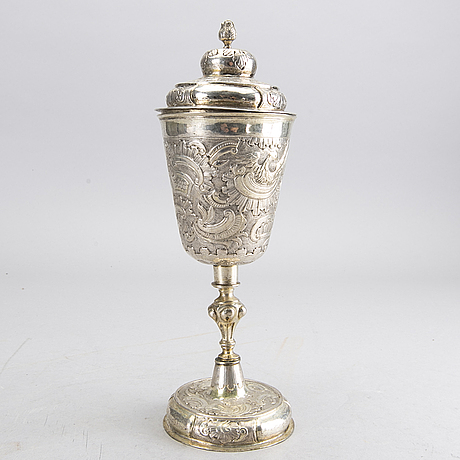 A russian 18th century parcel-gilt silver cup and cover, mark of fedor petrow, moscow 1756.