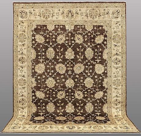A carpet, ziegler design, ca 330 x 240 cm.
