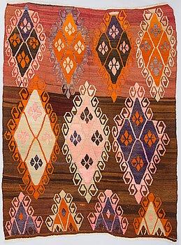 A Kelim carpet. Circa 235x171 cm.