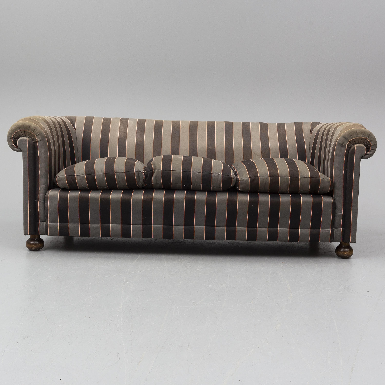 Josef Frank A Model 584 Chesterfield Sofa For Svenskt