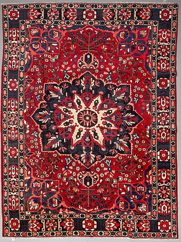 A carpet, bakthiari, ca 412 x 312 cm.