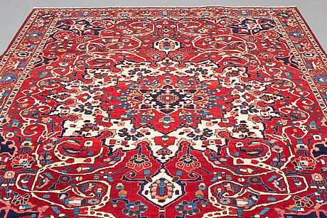 A carpet, bakthiari 306 x 225 cm.