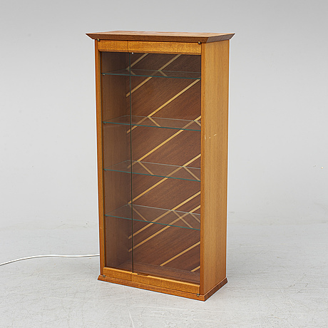 A mahogany wall cabinet, second half of the 20th century.