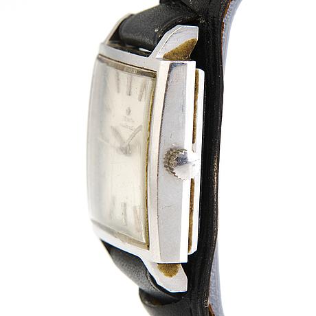 A steel zenith wristwatch from 1960:s. 33x35mm.