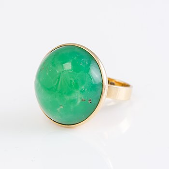 A 14K Mirjam Salminen ring with a chrysoprase from 1967 Helsinki Finland.