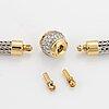Collier, 18k guld och platina, bajonettlås med briljantslipade diamanter.