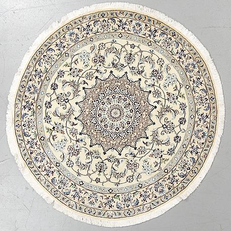 Matta, nain, ca diameter 150 cm.
