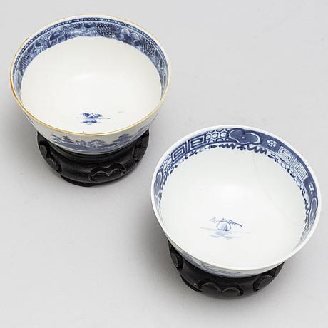 Serveringsfat, skÅlfat, ett par, samt skÅlar, ett par, kompaniporslin. qingdynastin, qianlong (1736-95).