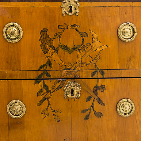 A gustavian chest of drawers, late 18th century.