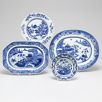 Four blue and white porcelain dishes, Qing dynasty, Qianlong (1736-95).