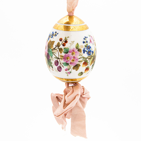 A russian porcelain easter egg, from the time of nicholas i (1825–1855).