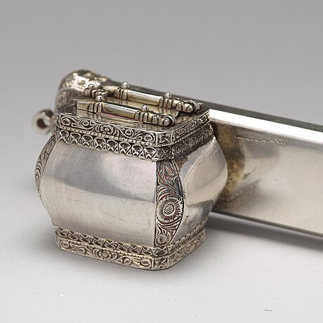 """A ottoman early 20th century parcel-gilt silver """"divid"""", a penn and ink-case."""