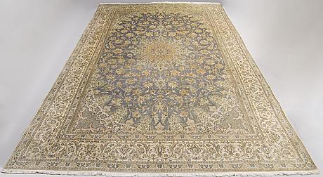 A 6 laa part silk carpet from nain 302 x 213 cm.