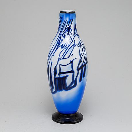 A signed glas vase by martti rytkÖnen.