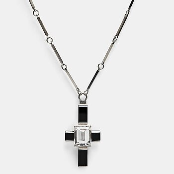 159. Wiwen Nilsson, a crucifix pendant and chain, sterling silver with facet cut rock crystal and onyx, Lund, Sweden 1935.