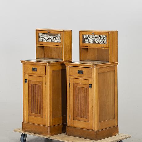 A pair of beside tablesar1900's.