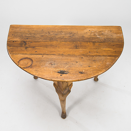 An english 19th century table.