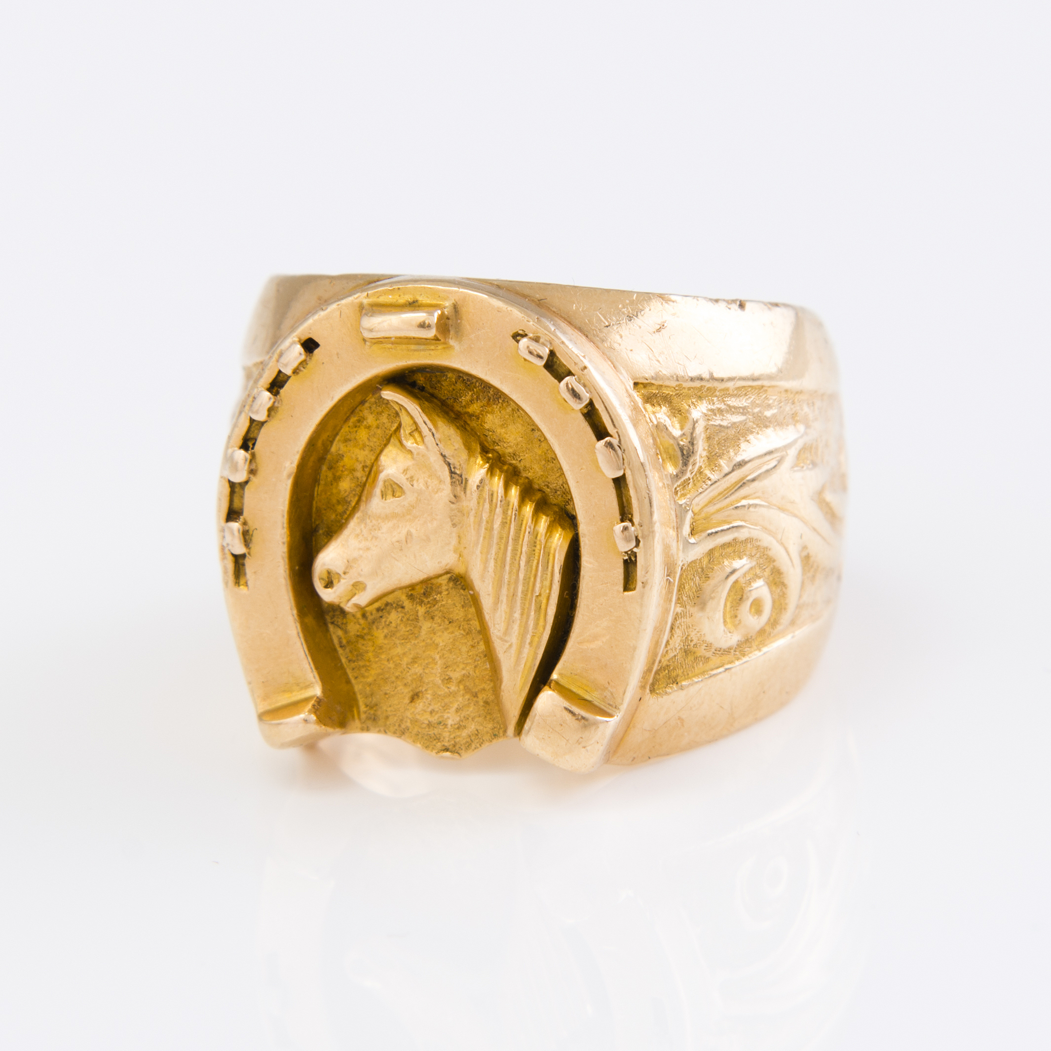 A 18k Gold Ring With A Horseshoe And Horse Finland 1970 Bukowskis