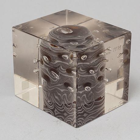 Oiva toikka, annual cube, signed and numbered oiva toikka nuutajärvi 1989, 463/2000.