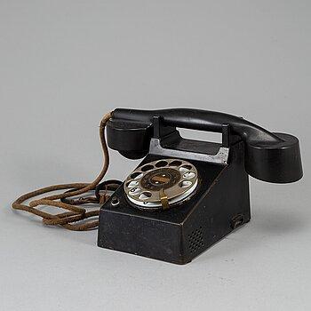 "Marcel Breuer and Richard Schadewell, "" the Bauhaus telefone"" for Fuld & Co, ca 1928-29."