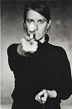 """133. Cecilia Edefalk, """"Självporträtt med Pistol"""", 1993."""
