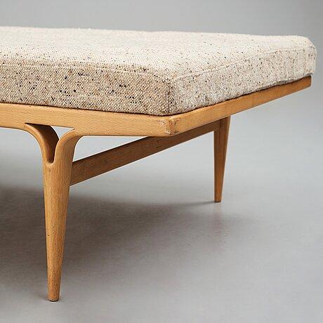 Bruno mathsson, a beech daybed for karl mathsson, sweden 1968.