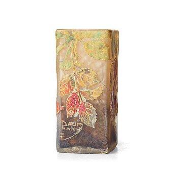 15. DAUM, an Art Nouveau cameo glass vase, Nancy early 1900's.